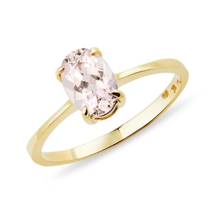 Oval morganite ring in yellow gold