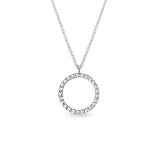 Diamond circle pendant in white gold