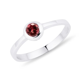 Red diamond ring in white gold