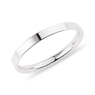 Women's wedding band in white gold