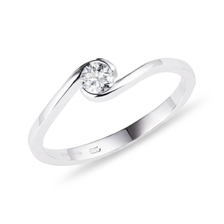 Asymmetrical diamond ring in white gold
