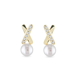 Pearl and diamond earrings in 14kt gold