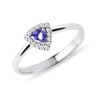 Tanzanite ring with diamonds in white gold