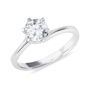 Engagement ring with a 0.75ct diamond in 14kt gold