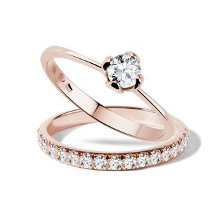 Diamond engagement and wedding ring set in rose gold