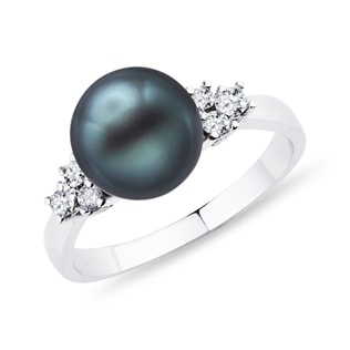 Tahitian pearl and diamond ring in 14kt white gold