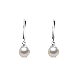 Akoya pearl earrings in 14kt gold