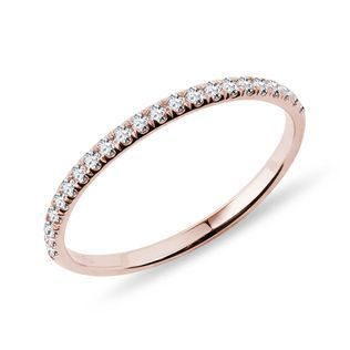 Ring with diamonds in rose gold