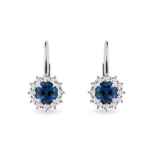 Round sapphire and diamond earrings in white gold