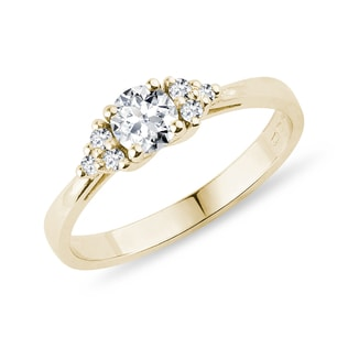 Luxury diamond ring in yellow gold