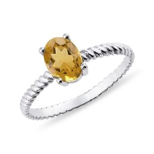 Citrine ring in white gold
