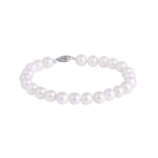 Pearl bracelet with white gold clasp