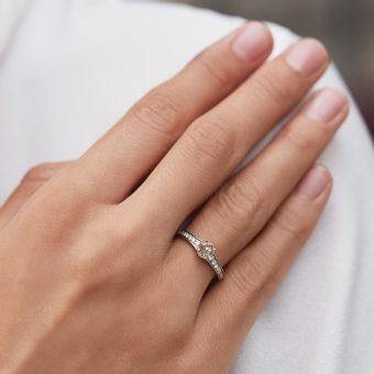 bague de fiançailles avec diamant champagne en or blanc - KLENOTA