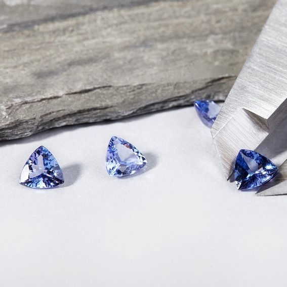 Five Wonderful Occasions When to Give Tanzanite Rings as Gifts