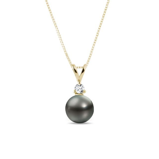 Pendant with a Tahitian pearl and diamond