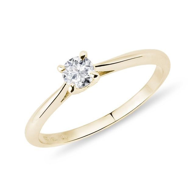 Gentle ring in yellow gold with diamond