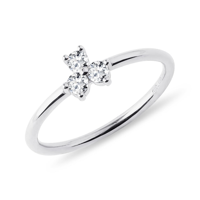 Three diamond ring in white gold