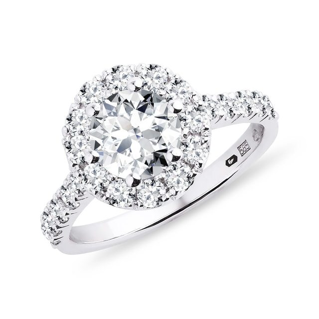 Luxury diamond halo ring in white gold