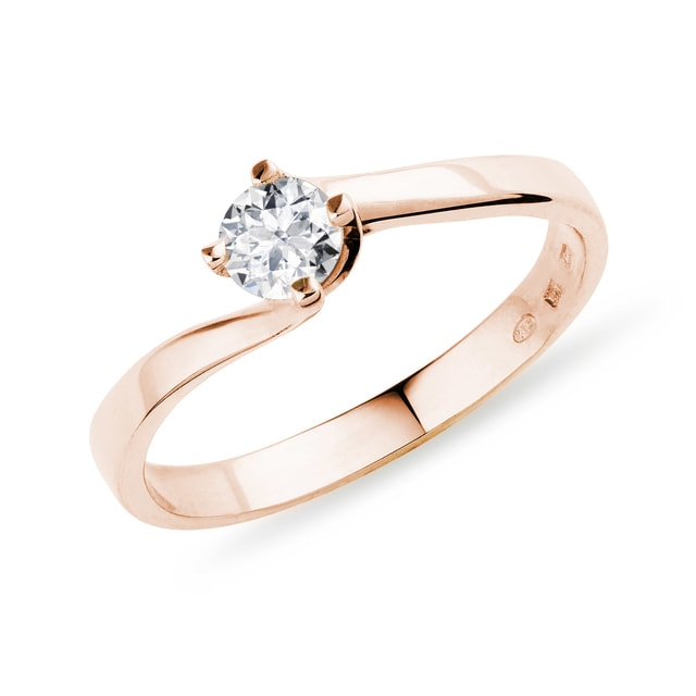 Ring made of rose gold with diamond