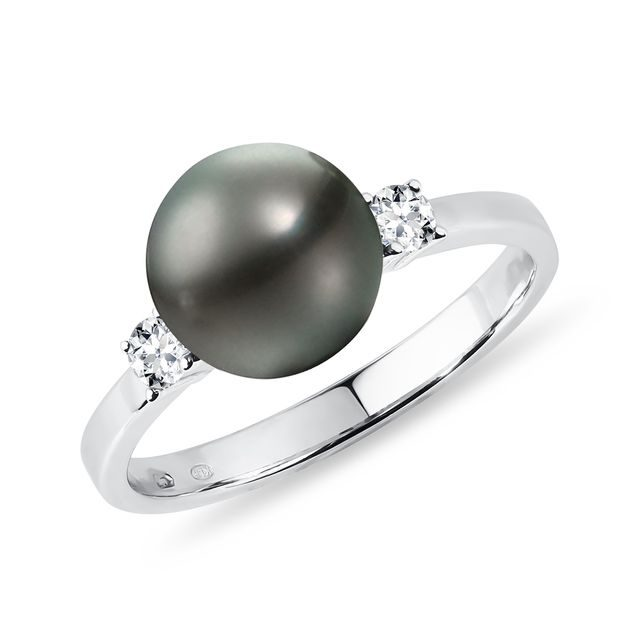 Tahitian pearl ring with diamonds in white gold