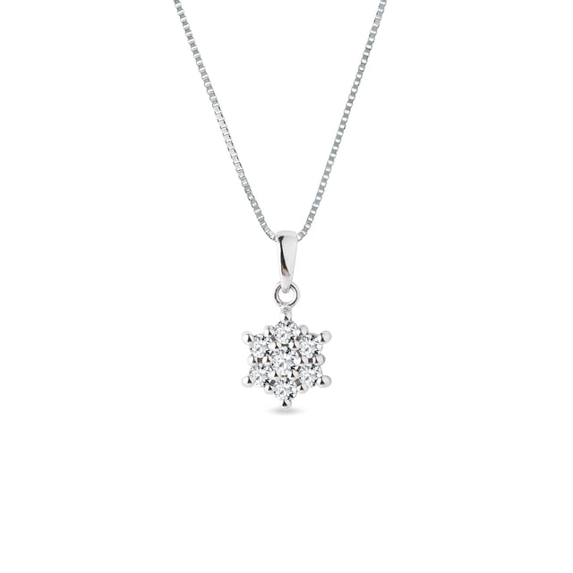 Diamond cluster pendant in white gold