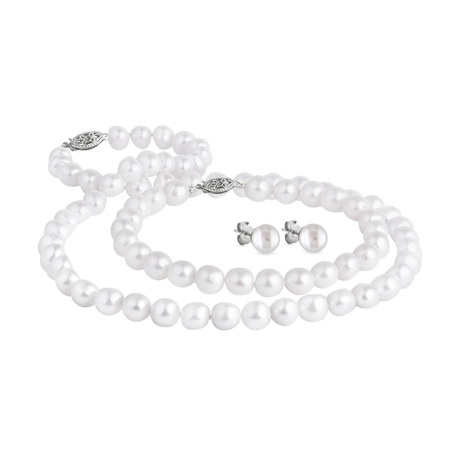 Luxury pearl jewellery set in white gold