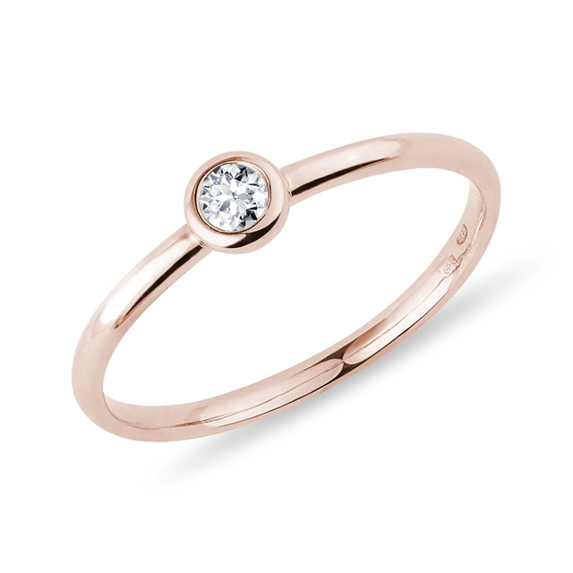 Bezel diamond ring in rose gold