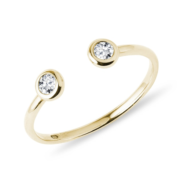 Diamond bezel ring in yellow gold
