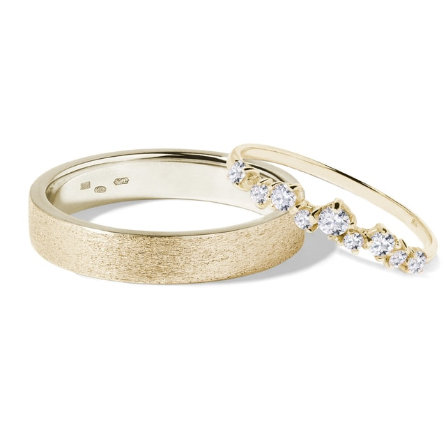 Diamond wedding rings in 14kt gold