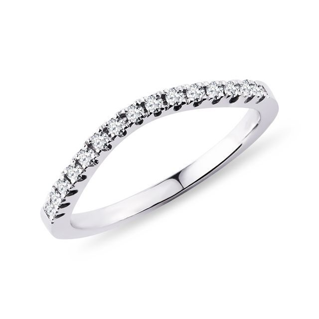 Bague en or blanc avec diamants
