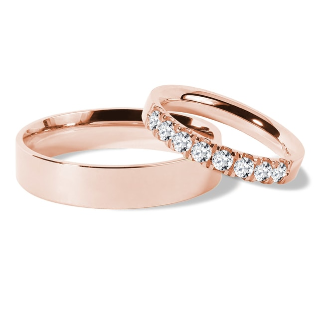 Wedding ring set with diamonds in rose gold