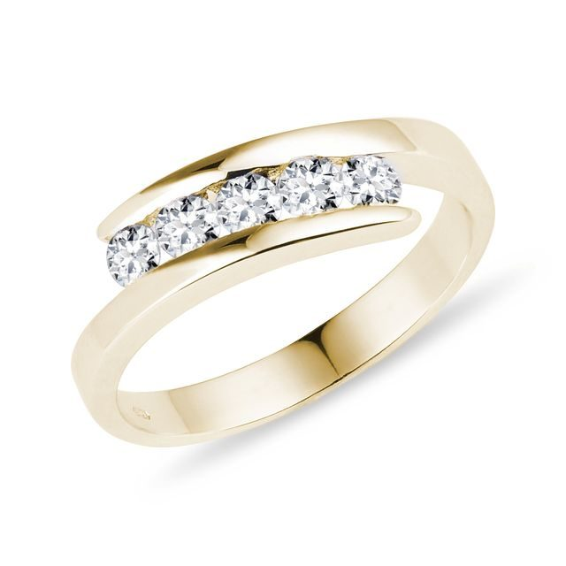 Five stone diamond ring in gold