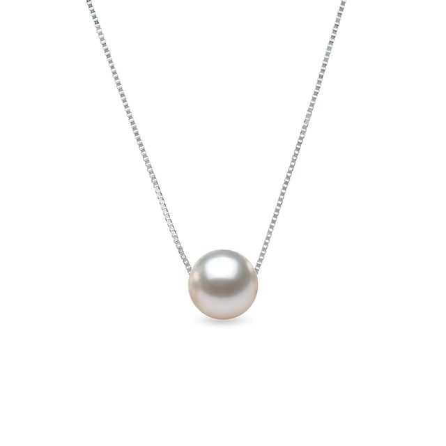 Akoya pearl necklace in white gold