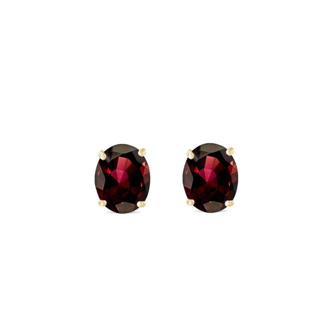 Oval garnet earrings in gold