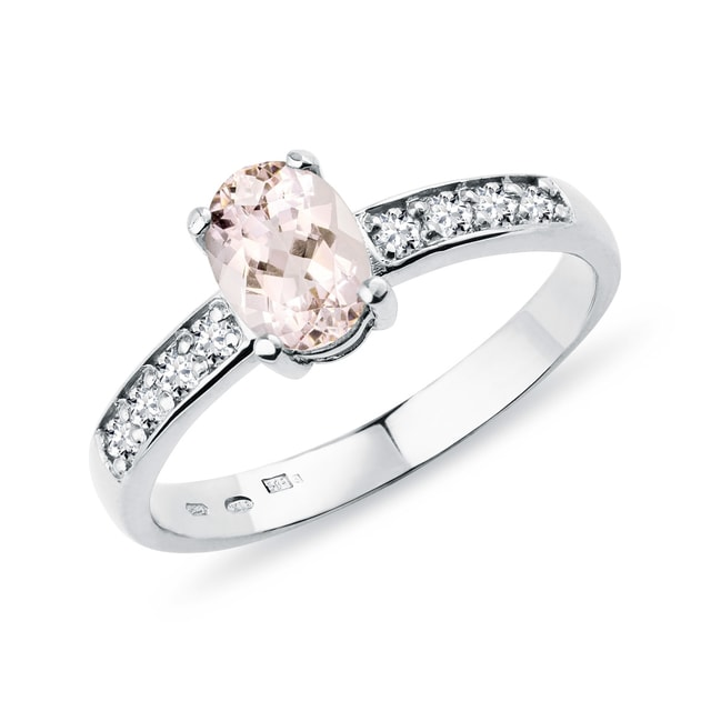Diamond ring with morganite
