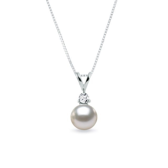 Pearl necklace in white gold with diamonds