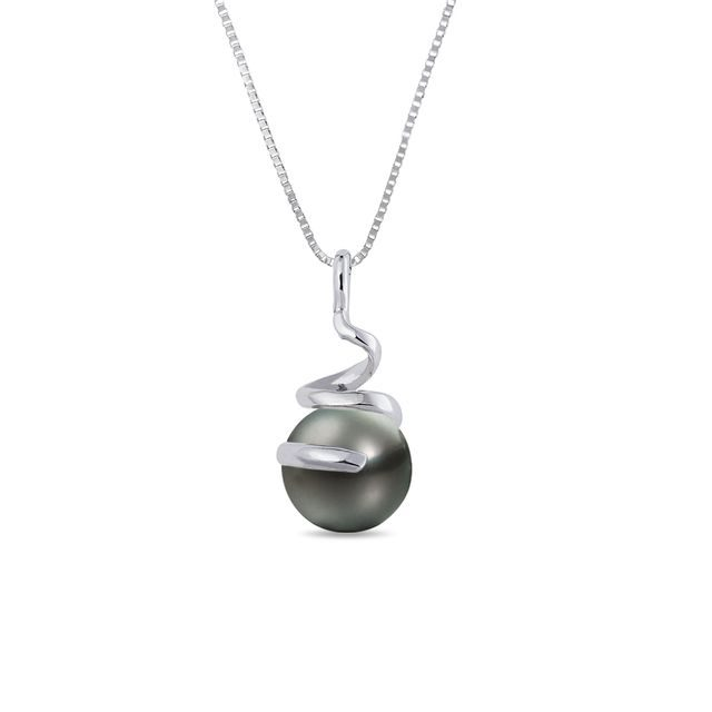 Tahitian pearl necklace in white gold