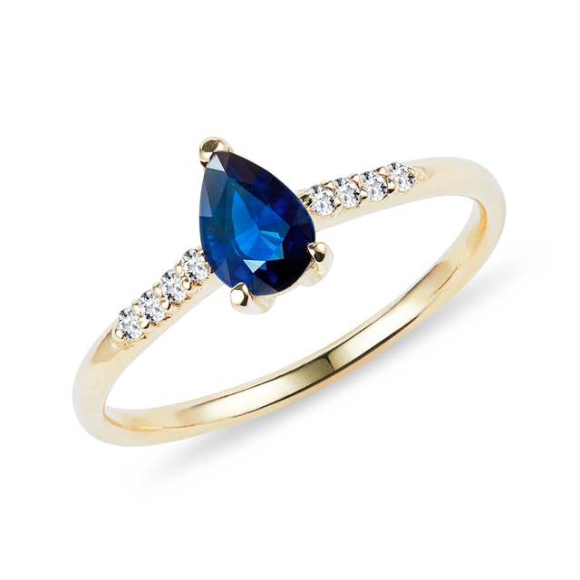 Sapphire ring with diamonds in yellow gold