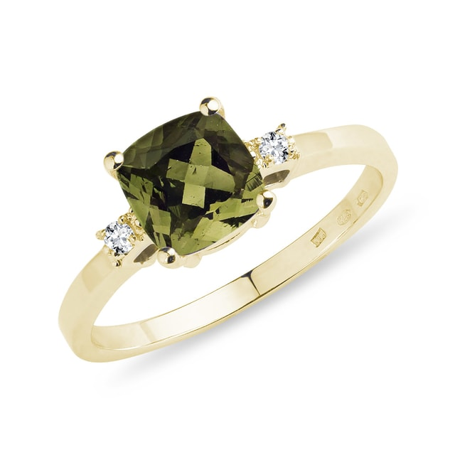 Moldavit Ring in Gelbgold