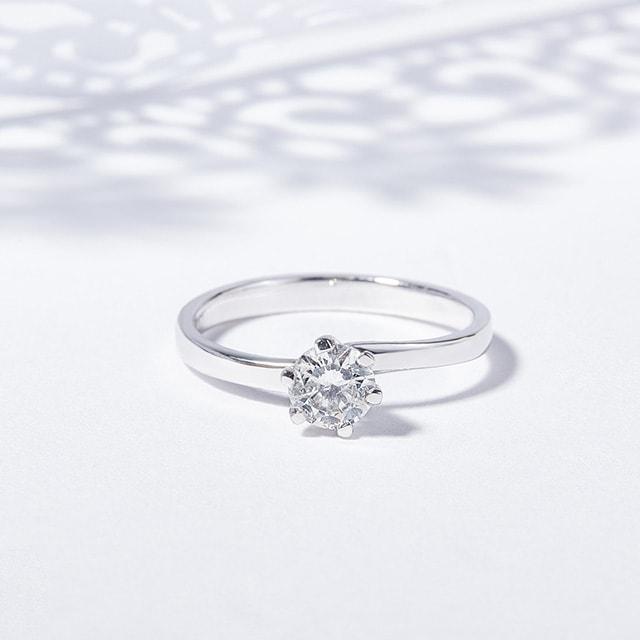 7e1159c76 Zlatý zásnubný prsteň s briliantom | KLENOTA