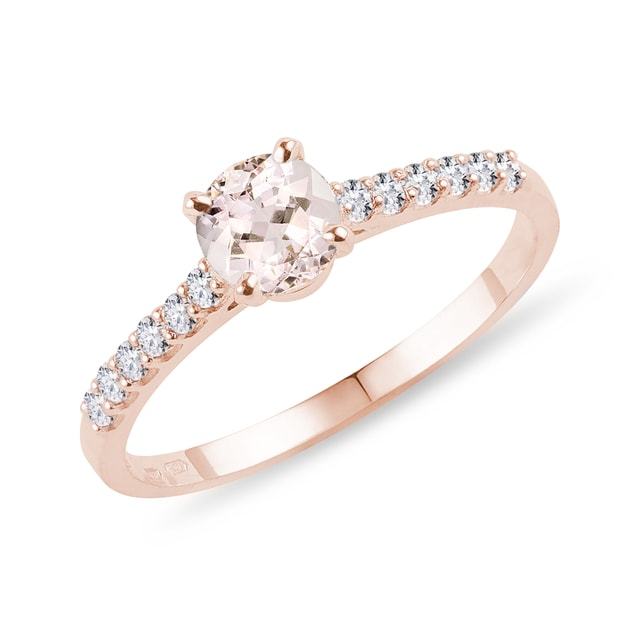 Bague en or rose avec diamants et morganite