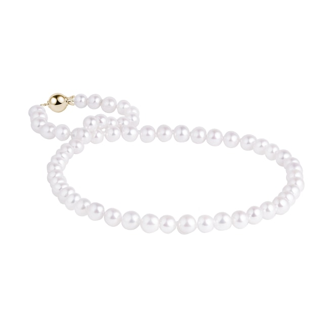 Gold necklace of pearls Akoya