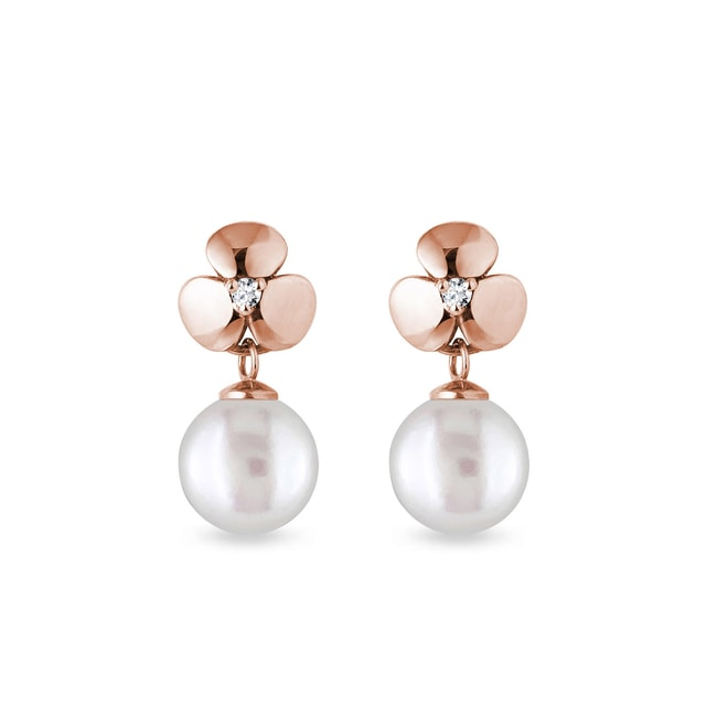 Diamond and pearl earrings in rose gold