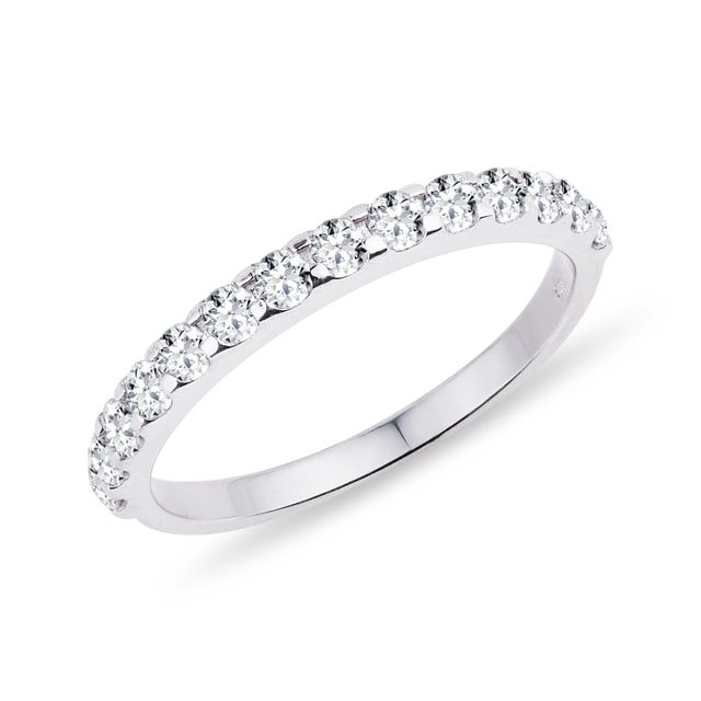 Diamond wedding ring in 14kt white gold