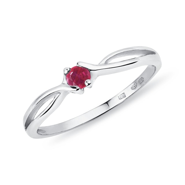 Ruby ring in 14kt gold