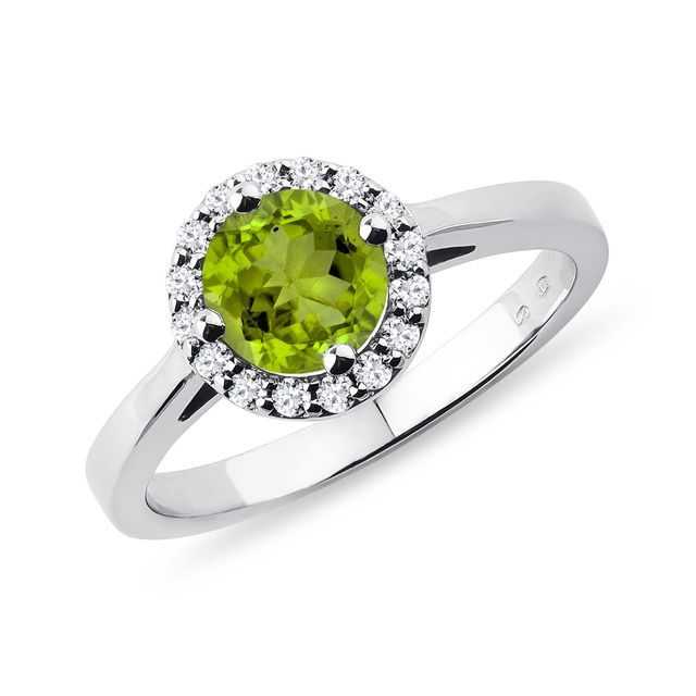 Peridot and diamond ring in 14kt gold