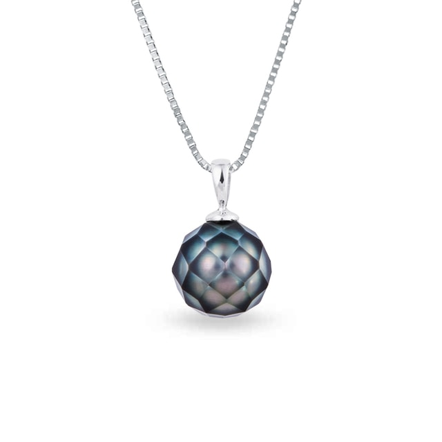 Pendant with Tahitian pearl