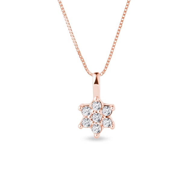 Flower-shaped diamond necklace