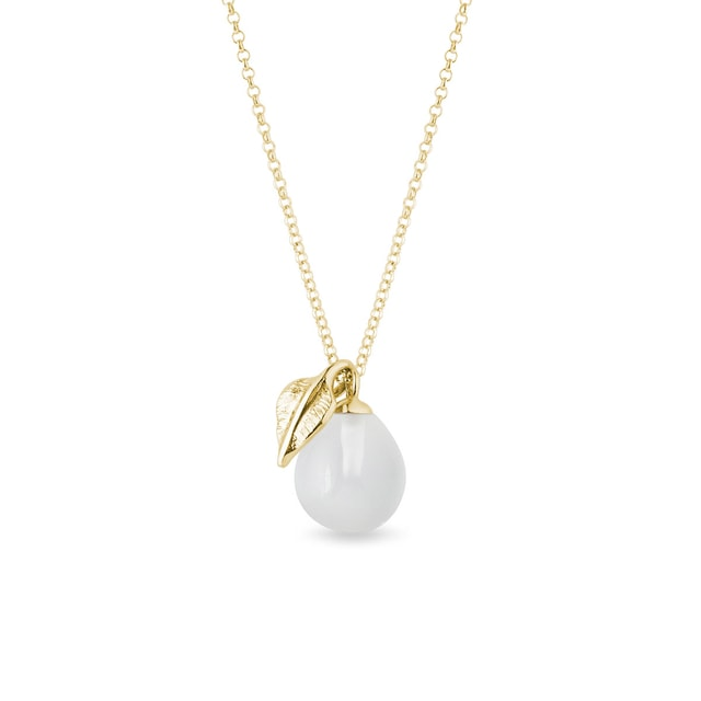 White moonstone and leaf necklace in yellow gold