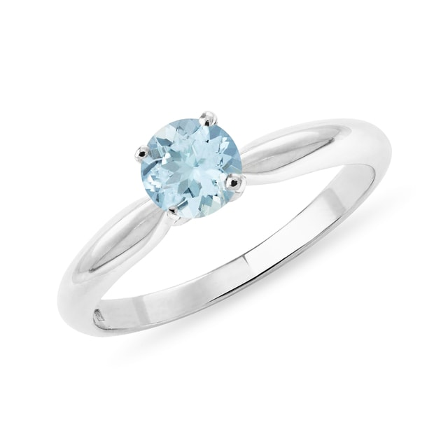 Topaz ring in white gold